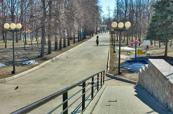 аллея парка в Соцгороде