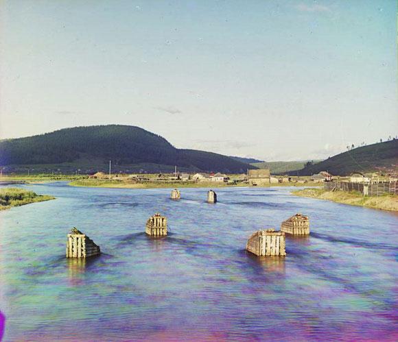 Ледорезы на реке Юрюзани